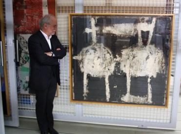 Eugen Blume im Depot des Hamburger Bahnhof - Museum für Gegenwart - Berlin vor Cy Twomblys: Untitled, 1951, Staatliche Museen zu Berlin, Nationalgalerie, Sammlung Marx.