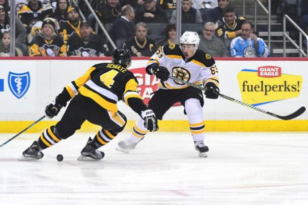 Boston+Bruins+v+Pittsburgh+Penguins+UyCLU1qN02Vl.jpg