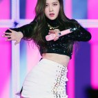 Blackpink-Rose-photos-at-SBS-Gayo-Daejun-2017-12