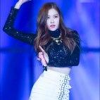 Blackpink-Rose-photos-at-SBS-Gayo-Daejun-2017-20