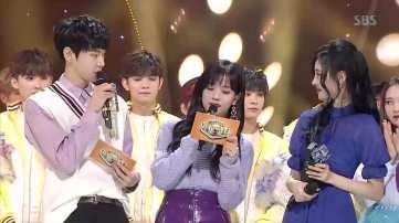 Blackpink-Jisoo-and-Sunmi-Inkigayo-10