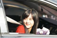Blackpink-Jisoo-car-photos-inkigayo-11