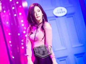 Blackpink Jisoo dance side to side