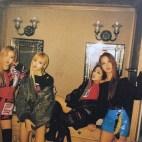 BLACKPINK-Zipper-Magazine-black-pink-40313816-500-383