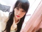 Blackpink Jisoo Selfie wearing hanbok