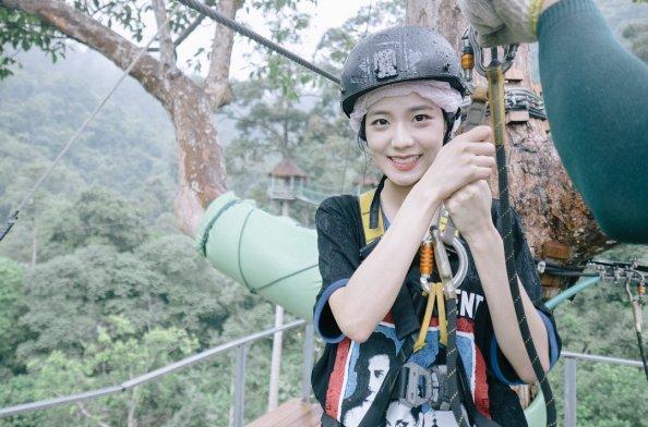 Blackpink Jisoo Ziplining Thailand