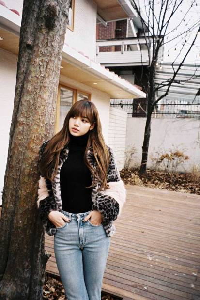 Blackpink-Lisa-Leopard-shearling-coat-Instagram-2018