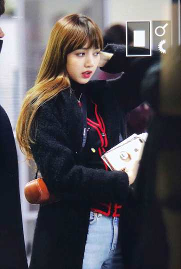 Blackpink Lisa Winter Airport Style at Gimpo Airport From Jeju Island