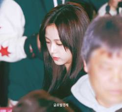 Blackpink-Jisoo-Airport-Fashion-27-March-to-Japan-7