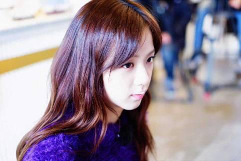 Blackpink-Jisoo-Instagram-Photo-2018-Jeju-Island-serious-face
