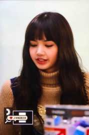 Blackpink-Lisa-Airport-Fashion-27-March-to-Japan-37