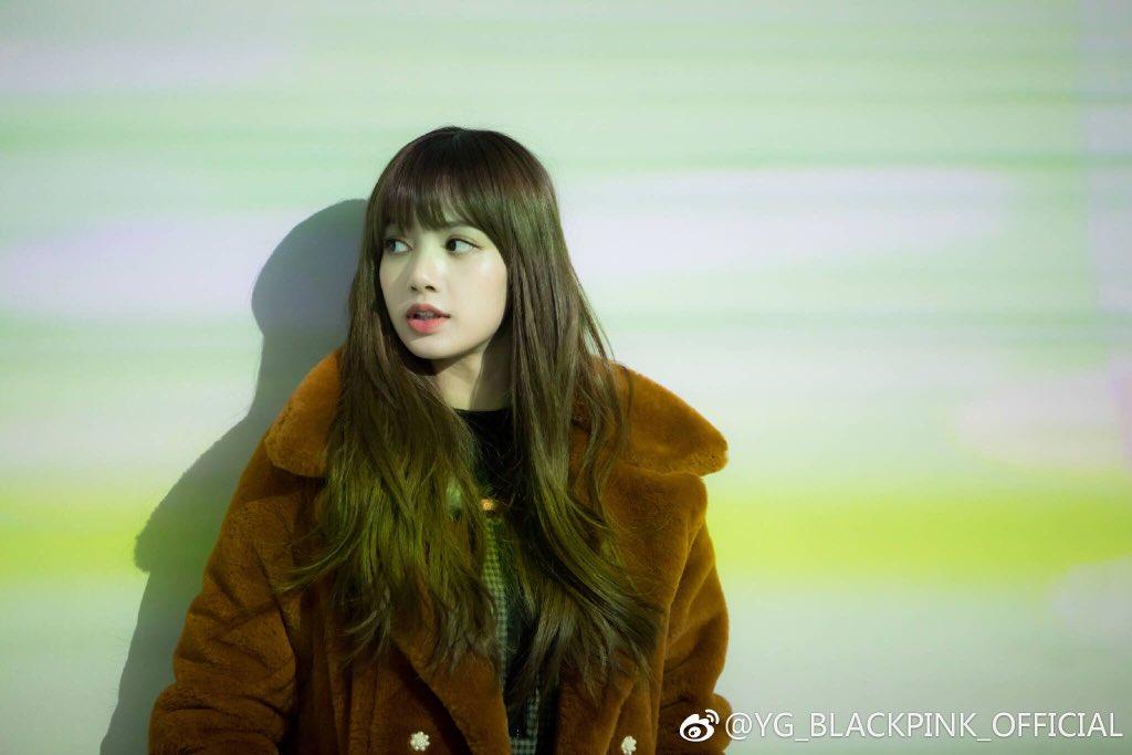 Blackpink Lisa Winter Coat fashion 2018