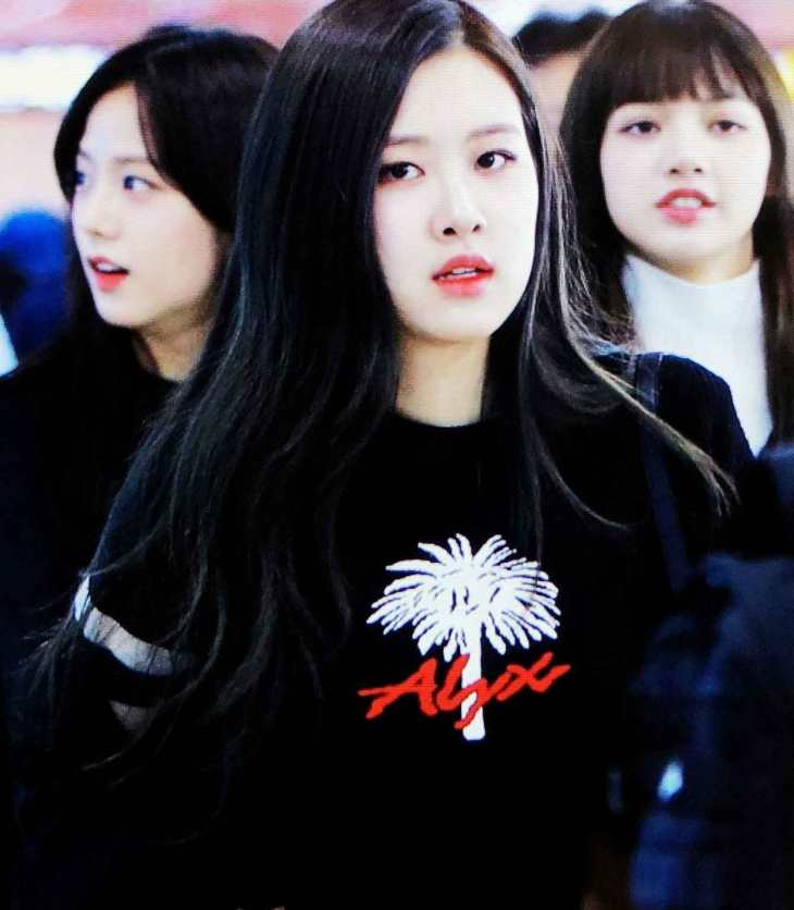 Blackpink Lisa Airport Fashion Back from Jeju Island 26 March 2018