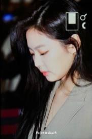 Blackpink-Jennie-Airport-Fashion-20-April-2018-photo-16