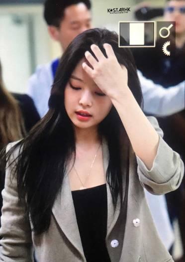 Blackpink-Jennie-Airport-Fashion-20-April-2018-photo-36
