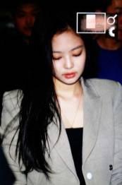 Blackpink-Jennie-Airport-Fashion-20-April-2018-photo-3