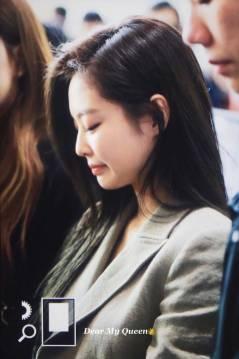 Blackpink-Jennie-Airport-Fashion-20-April-2018-photo-45