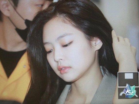 Blackpink Jennie Airport Fashion 20 April 2018 photo 51