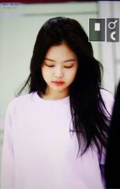 Blackpink-Jennie-Airport-Fashion-22-April-2018-photo-28