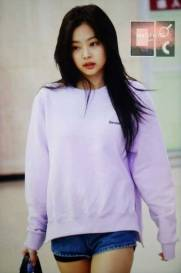 Blackpink-Jennie-Airport-Fashion-22-April-2018-photo-29
