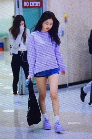 Blackpink-Jennie-Airport-Fashion-22-April-2018-photo-32