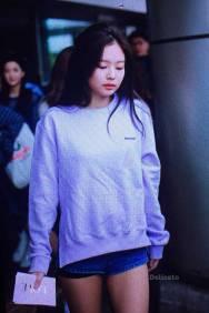Blackpink-Jennie-Airport-Fashion-22-April-2018-photo-34