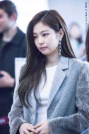 Blackpink Jennie Airport Fashion Glam Outfit 2018