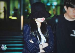 Blackpink-Jennie-Airport-Fashion-Incheon-5-april-2018-from-Thailand-2