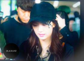 Blackpink Jisoo airport fashion black outfit wear cap hat