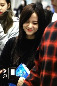 Blackpink-Jisoo-Airport-Fashion-Incheon-5-april-2018-from-Thailand-4