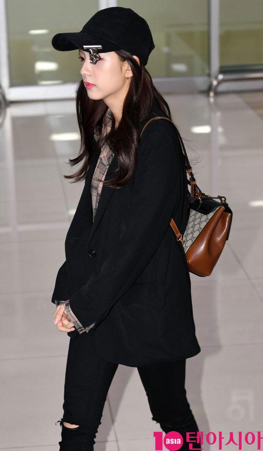 Blackpink Jisoo Airport Fashion 1 April 2018