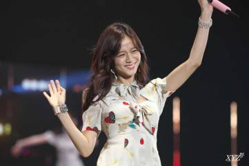 Blackpink-Jisoo-Tokyo-Girls-Collection-2018-photo-1