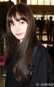 Blackpink-Lisa-Airport-Fashion-20-April-2018-photo-20