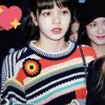 Blackpink Lisa airport fashion colorful outfit ponytail