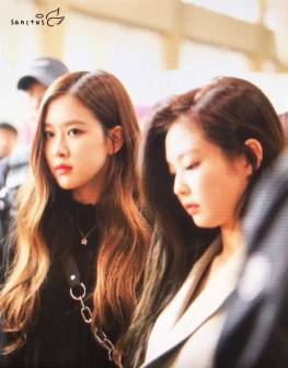 Blackpink-Rose-Airport-Fashion-20-April-2018-photo-8