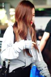 Blackpink-Rose-Airport-Fashion-Incheon-5-april-2018-from-Thailand-16
