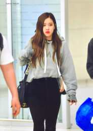 Blackpink-Rose-Airport-Fashion-Incheon-5-april-2018-from-Thailand-17