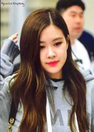 Blackpink-Rose-Airport-Fashion-Incheon-5-april-2018-from-Thailand-18