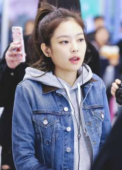blackpink-jennie-airport-photo-5