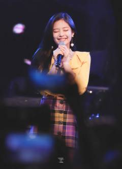 blackpink-jennie-university-festival-2018-photo-8