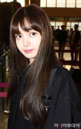 Blackpink-Lisa-Airport-Fashion-20-April-2018-HQ-4