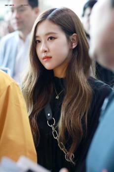 Blackpink Rose Airport Fashion 20 April 2018 Black dress outfit