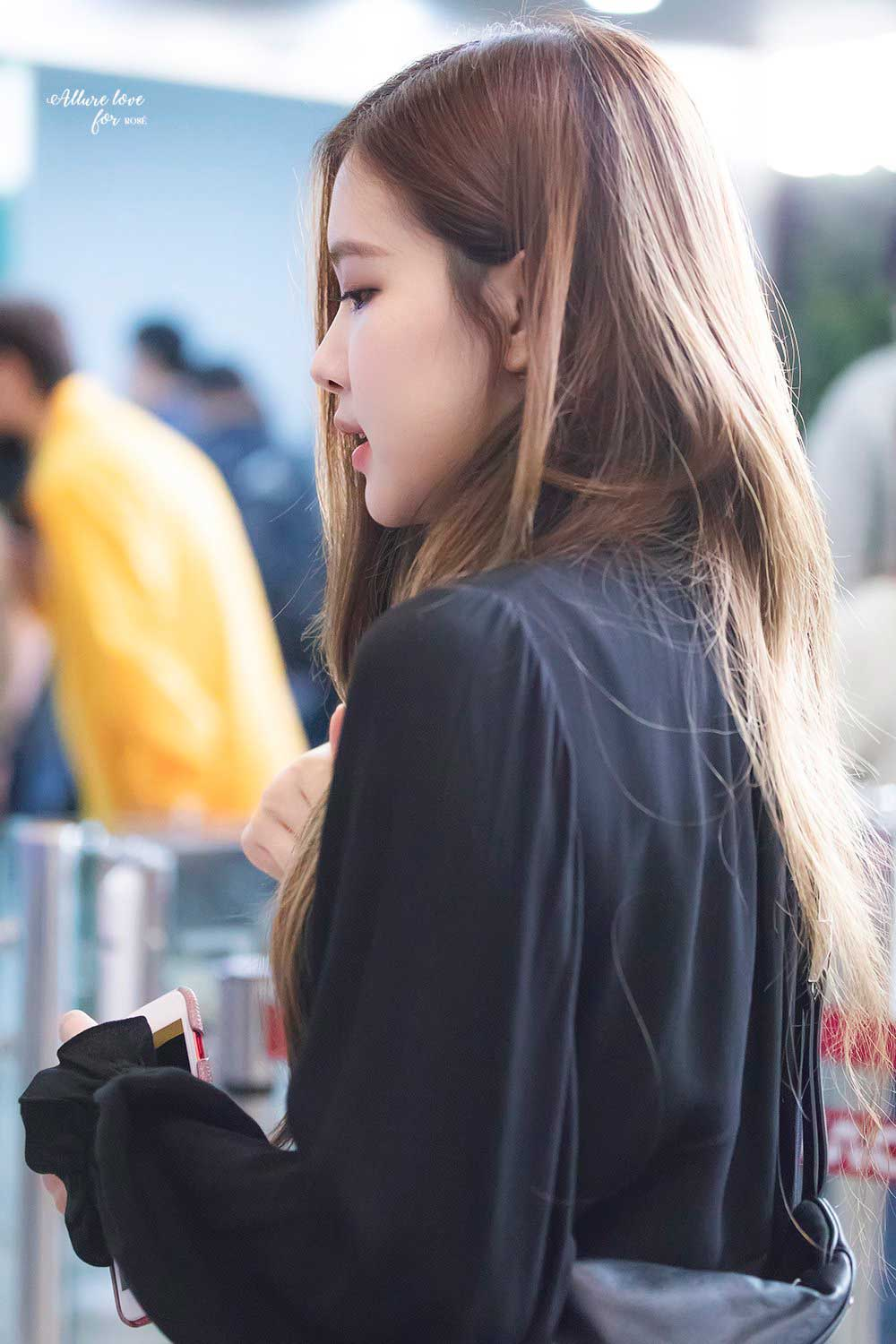 Blackpink Rose Airport Fashion 20 April 2018 Black dress outfit