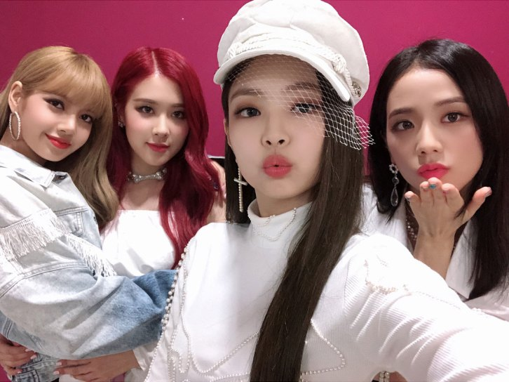 BLACKPINK-Instagram-Photo-Music-Core-win-white-outfit-4