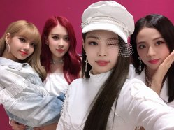 BLACKPINK-Instagram-Photo-Music-Core-win-white-outfit