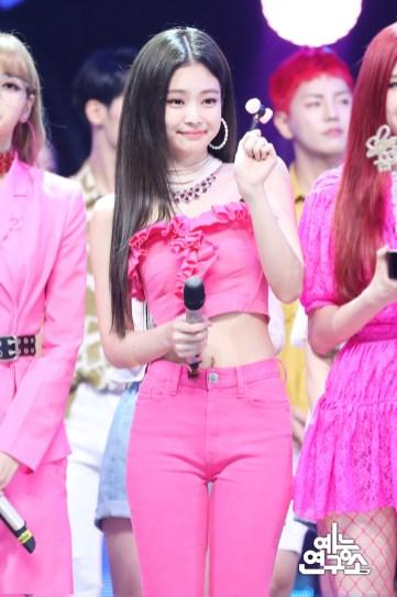 BLACKPINK Jennie MBC Music Core 23 June 2018 photo HQ 6