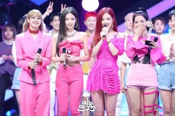 BLACKPINK MBC Music Core 23 June 2018 photo HQ 3