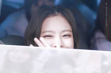 BLACKPINK-Jennie-Car-Photos-Leaving-Inkigayo-17-June-2018-photo-10