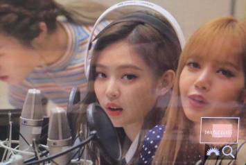 BLACKPINK-Jennie-KBS-Cool-FM-Volume-Up-Photo-39