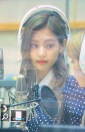 BLACKPINK-Jennie-KBS-Cool-FM-Volume-Up-Photo-62